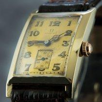 Omega 8606 Bon Or jaune 33mm Remontage manuel