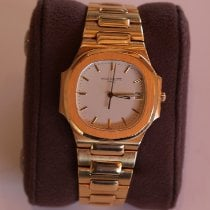 Patek Philippe 3900/001 Yellow gold 1996 Nautilus 33mm pre-owned