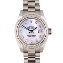 Rolex White gold Automatic Mother of pearl 26mm pre-owned Lady-Datejust
