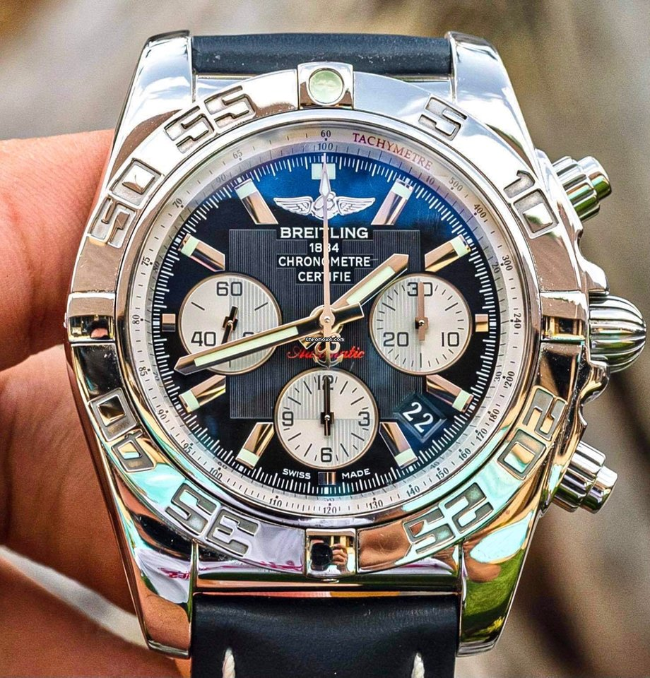 Breitling Chronomat 44 AB011012/B967 pre-owned