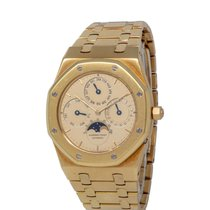 Audemars Piguet Royal Oak Perpetual Calendar pre-owned 39mm Champagne Moon phase Date Month Yellow gold