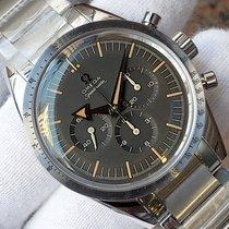 Omega (オメガ) スピードマスター (サブモデル) 新品 2018 手巻き クロノグラフ 正規のボックスと正規の書類付属の時計 311.10.39.30.01.001