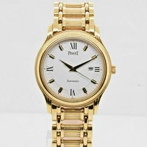 Piaget Polo Yellow gold 34mm White Roman numerals United States of America, New York, New York