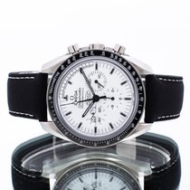 Omega Speedmaster Professional Moonwatch pre-owned 42mm White Chronograph Textile
