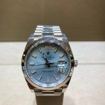 Rolex Day-Date 40 Platine 40mm Bleu Sans chiffres