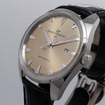 Girard Perregaux pre-owned Automatic 40mm Champagne Sapphire crystal 3 ATM
