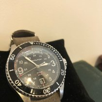 Hamilton Khaki Navy Scuba pre-owned 42mm Black Date Weekday Leather