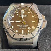 Victorinox Swiss Army Titan 45mm Quarz 241812 gebraucht