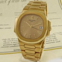 Patek Philippe Nautilus Yellow gold 37mm Champagne No numerals