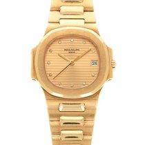 Patek Philippe 3800/1 Yellow gold Nautilus 37mm pre-owned United States of America, California, Beverly Hills