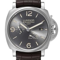 Panerai Luminor Due pre-owned 45mm Black Date GMT Leather