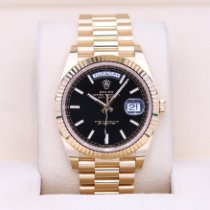 Rolex Day-Date 40 pre-owned 40mm Black Date Yellow gold
