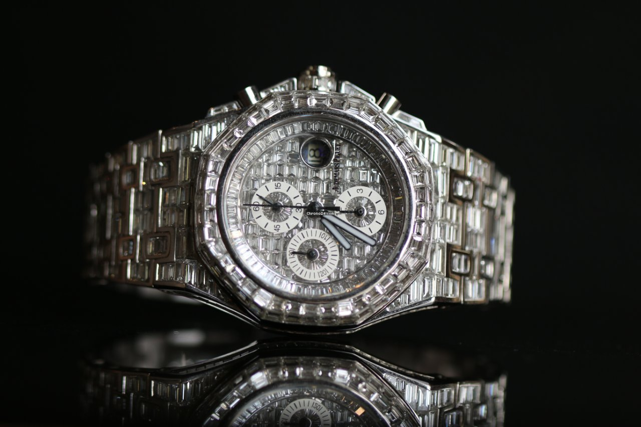 Audemars Piguet Royal Oak Offshore Royal Oak Offshore custom 18K white gold full square diamond nouveau