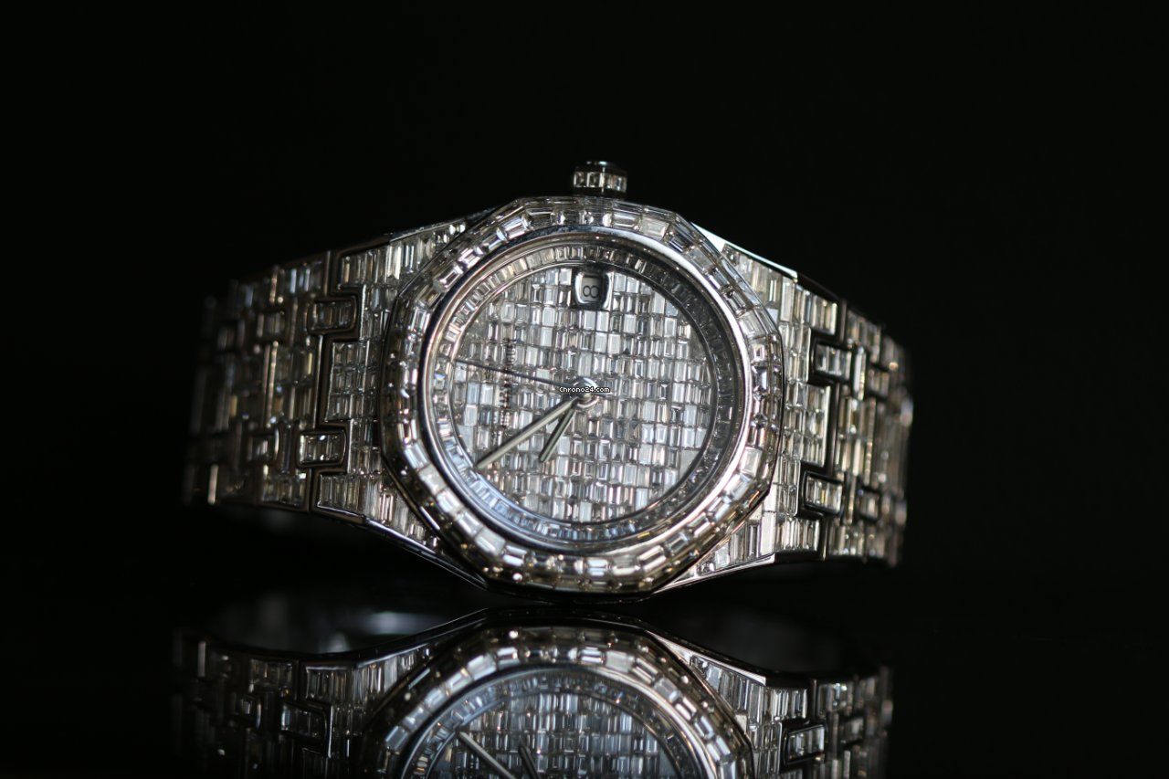 Audemars Piguet Royal Oak Offshore Royal Oak Offshore custom 18K white gold full diamond 41MM nouveau