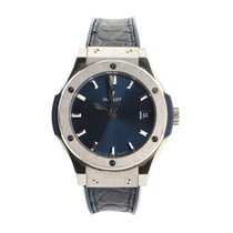 Hublot Titanium Quartz Blue 33mm pre-owned Classic Fusion Quartz