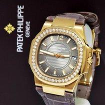 Patek Philippe Pозовое золото 32mm Кварцевые 7010R-010 подержанные