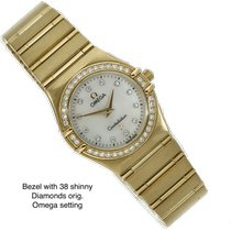 Omega Constellation Ladies Yellow gold 25mm Mother of pearl No numerals