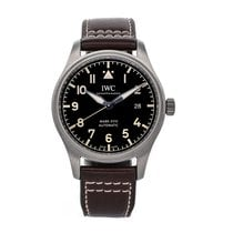 IWC Pilot Mark pre-owned 40mm Black Date Leather