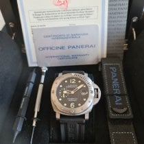 Panerai Luminor Submersible begagnad 44mm Svart Datum Naturgummi