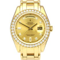 Rolex Day-Date Yellow gold 39mm Champagne No numerals