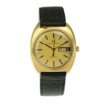 Universal Genève 153104/02 - Universal Genève Very good Yellow gold 36mm Quartz