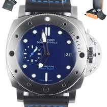Panerai Luminor Submersible pre-owned 47mm Blue Rubber