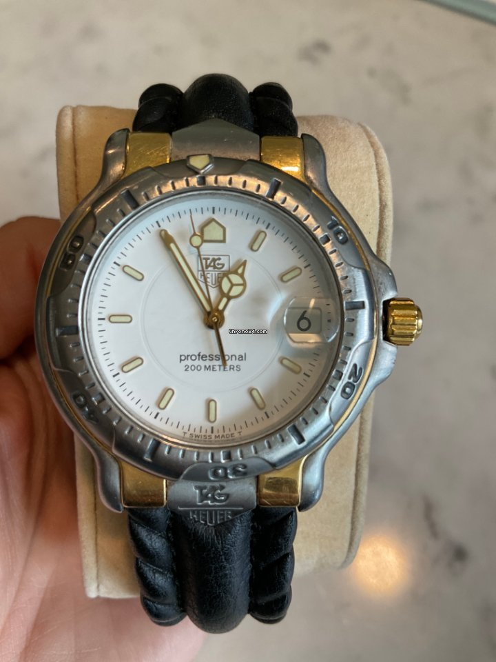 TAG Heuer 6000 pre-owned