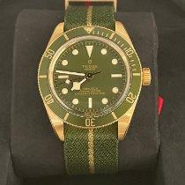 Tudor Yellow gold Automatic Green No numerals 39mm new Black Bay
