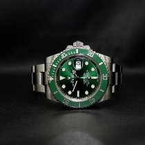 Rolex pre-owned Automatic 40mm Green Sapphire crystal 30 ATM