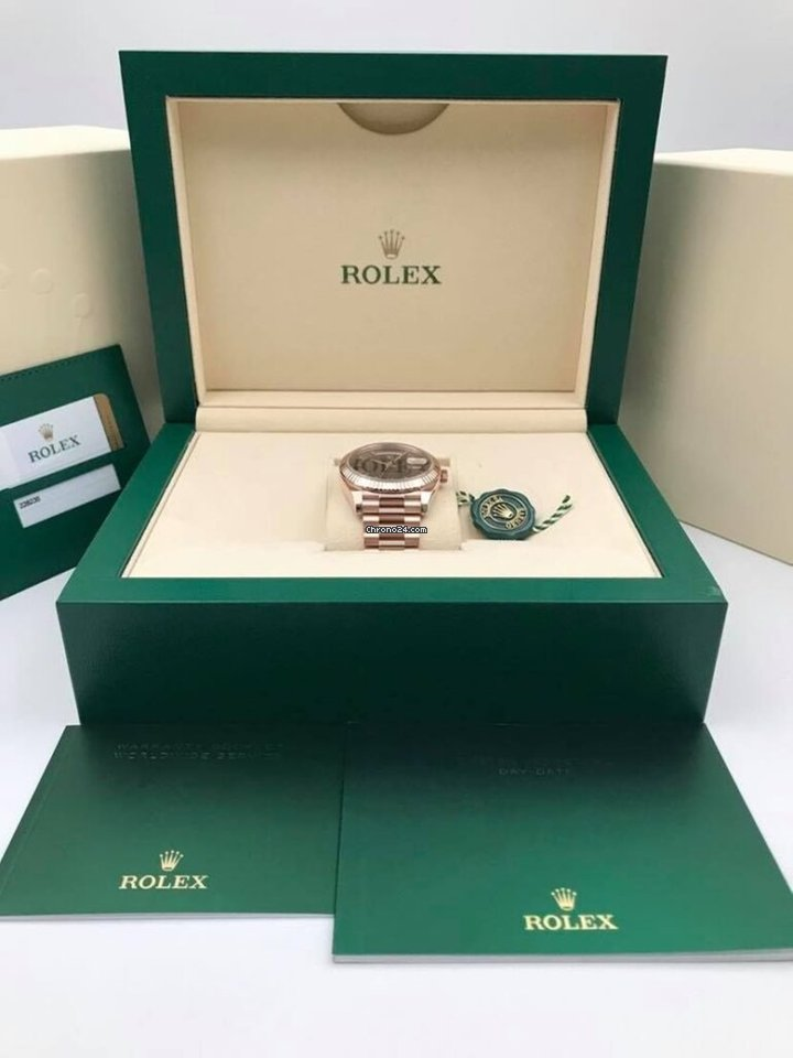 Rolex Day-Date 40 228235 2020 new