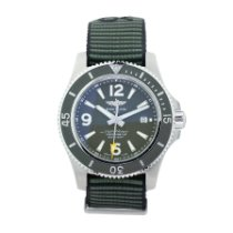 Breitling Superocean 44 new Automatic Watch with original box A17367A11L1W1