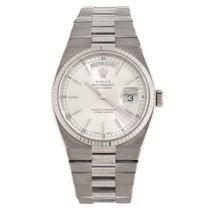 Rolex Day-Date Oysterquartz Oro blanco 36mm Plata Sin cifras