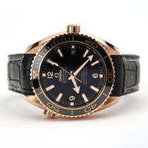 Omega Red gold Automatic Black 42mm pre-owned Seamaster Planet Ocean