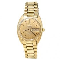 Omega Constellation Day-Date Yellow gold 34mm Champagne United States of America, New York, New York