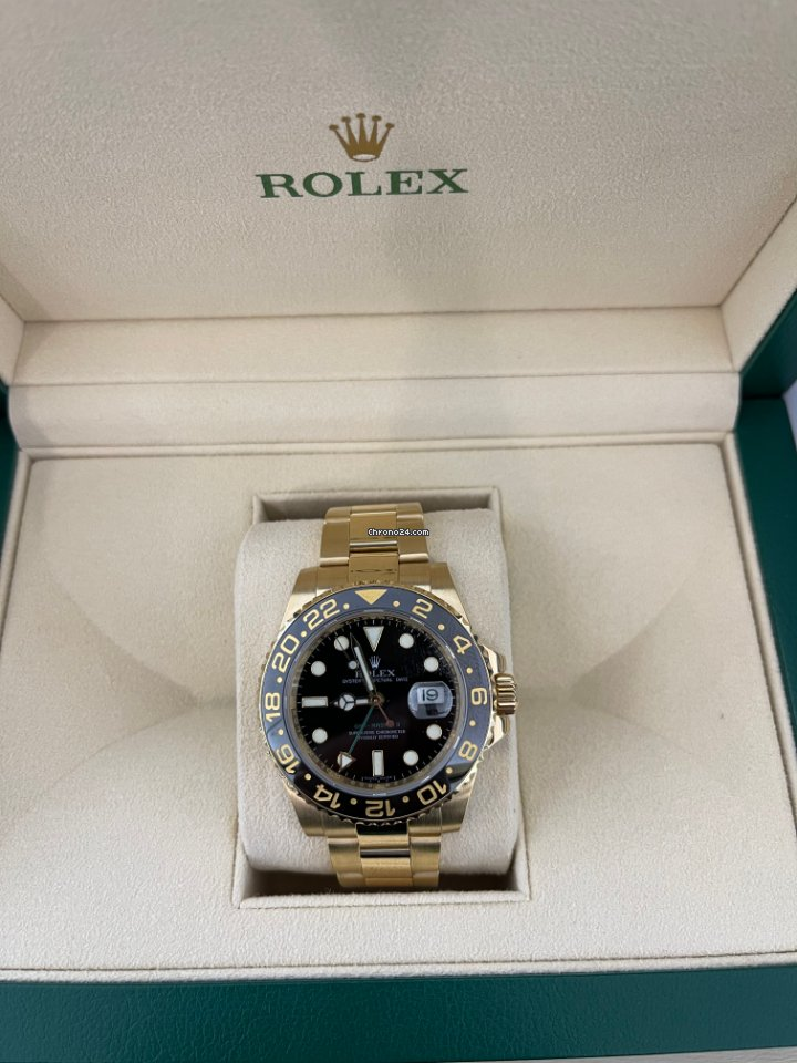 Rolex GMT-Master II 116718LN pre-owned