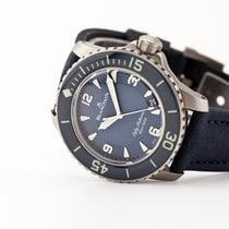 Blancpain pre-owned Automatic 45mm Blue Sapphire crystal 30 ATM