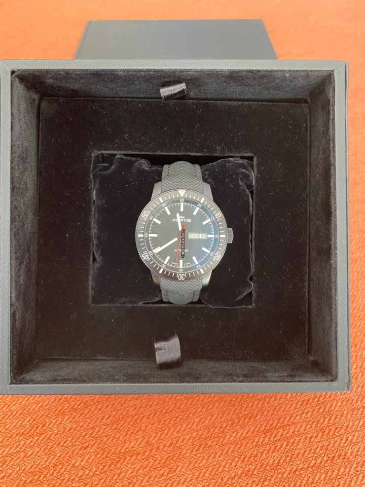 Fortis B-42 Official Cosmonauts 647.18.158 2016 pre-owned