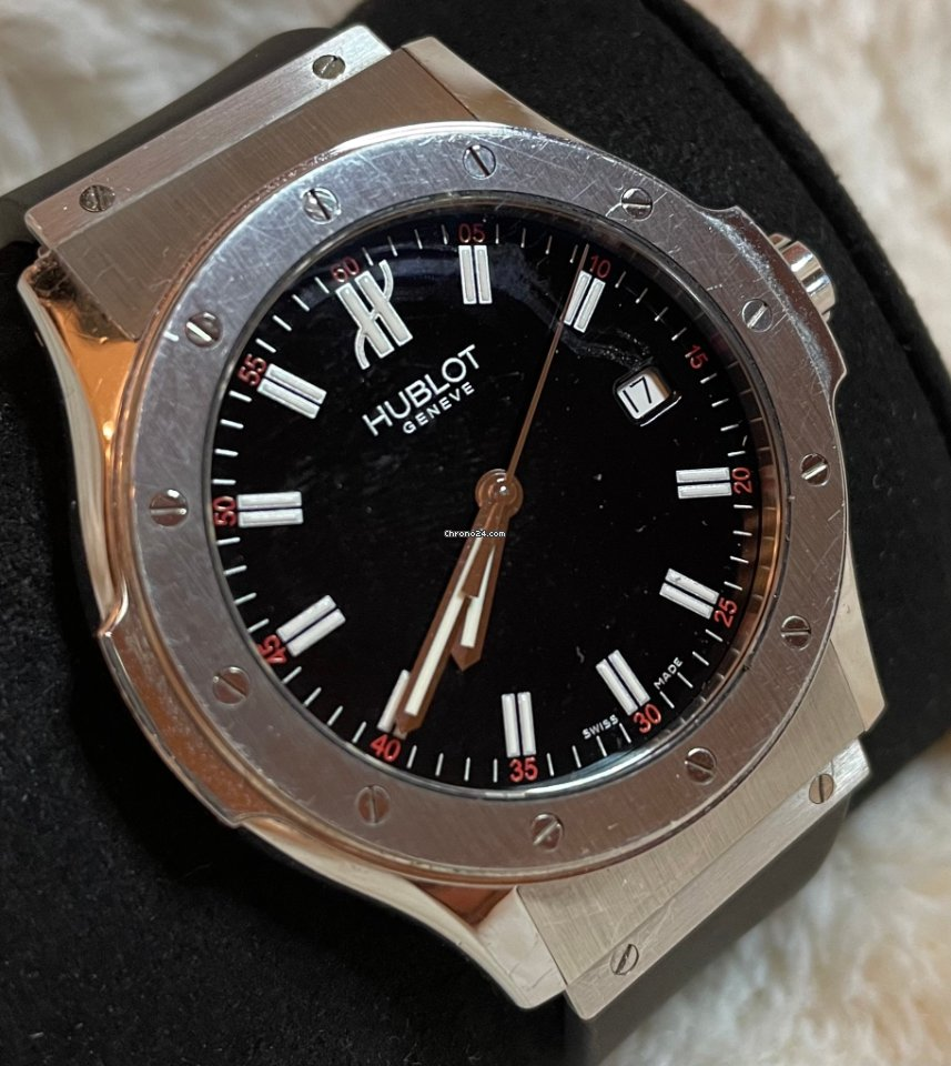 Hublot Classic Fusion 45, 42, 38, 33 mm B 1905.1 2010 pre-owned