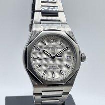Girard Perregaux Laureato Steel 38mm White No numerals