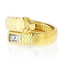 Cartier Panthère Yellow gold White Roman numerals United States of America, New York, New York
