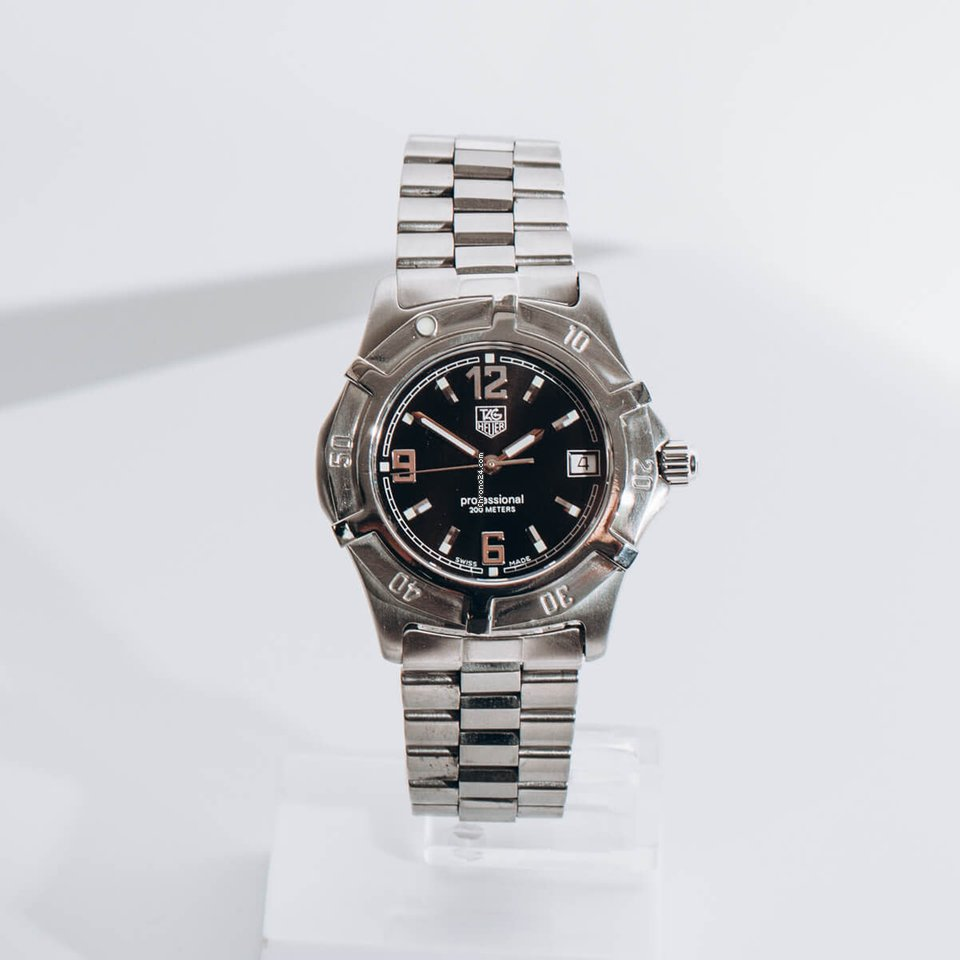 TAG Heuer 2000 WN1110 pre-owned