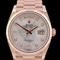 Rolex Day-Date 36 Rose gold 36mm Mother of pearl No numerals