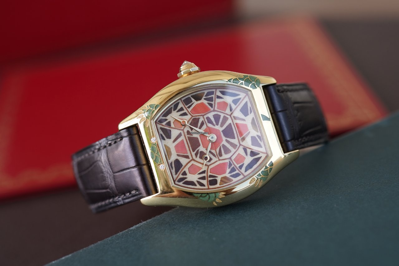 Cartier Tortue pre-owned