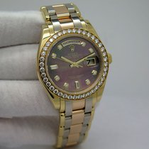 Rolex Day-Date Yellow gold 39mm Mother of pearl No numerals