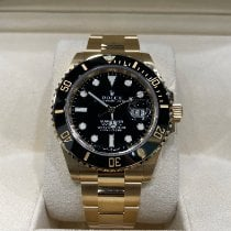 Rolex Submariner pre-owned 41mm Black Date Yellow gold
