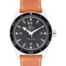 Omega (オメガ) シーマスター 300 新品 2021 自動巻き 正規のボックスと正規の書類付属の時計 233.32.41.21.01.002