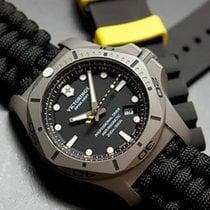 Victorinox Swiss Army I.N.O.X. 241812 I.N.O.X. Professional Diver Titanium 45mm Nero Paracord 2020 nowość