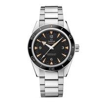 Omega Seamaster 300 neu Automatik Uhr mit Original-Box und Original-Papieren 233.30.41.21.01.001