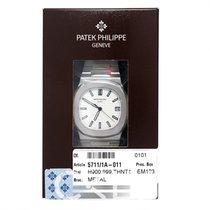 Patek Philippe Nautilus Silvery-white/Steel 40mm - 5711/1A-011