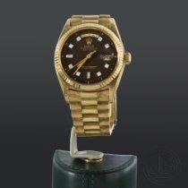 Rolex Day-Date 36 Or jaune 36mm Noir Sans chiffres